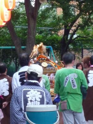 20110903mikoshi2
